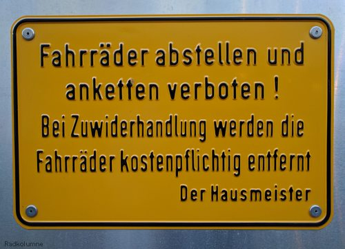 Schild Fahrräder abstellen verboten